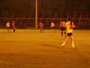 Equipe realizou treinamento na noite desta quinta-feira, 3 (Foto: Reprodução/Inter TV dos Vales)