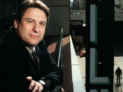 """Richard Peña ministrará o workshop """"Cinema em espaços alternativos: O futuro da curadoria de cinema"""", promovido pela Pós-Unifor  (Foto: The Film Society of Lincoln Center/Harvard Magazine )"""