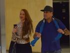 Ex-BBB Aline vai ao cinema com Sérgio Mallandro