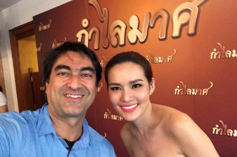 Zeca Camargo na Tailândia (Foto: Reprodução)