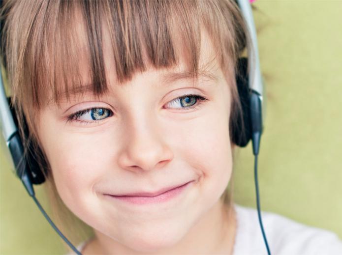 Via de regra, os fones de ouvido são o exemplo cássico do sistema estereofônico(Foto:Reprodução/huffpost)