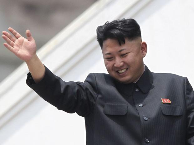 O líder norte coreano Kim Jong Un e seu penteado particular (Foto: Wong Maye-E/AP)