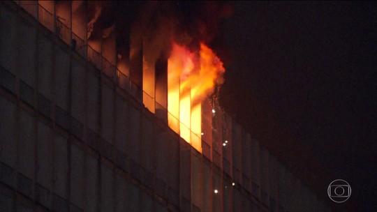 Vice-diretora diz que andar da UFRJ  ficou 'destruído' após incêndio