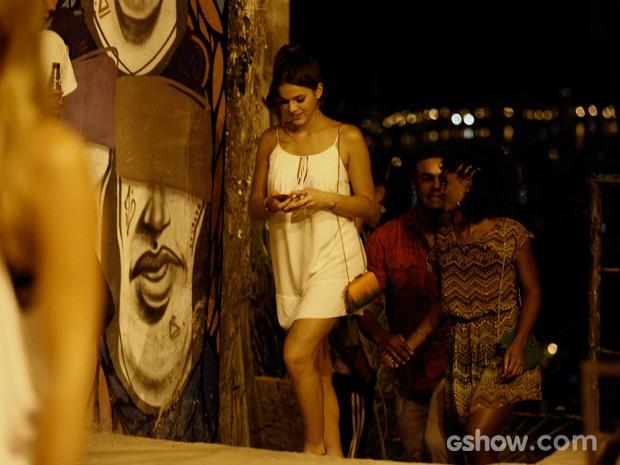 Bruna Marquezine estava linda em um vestido branco (Foto: Inácio Moraes/TV Globo)