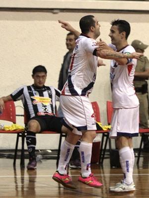 Vander Carioca marca na vitória do Joinville sobre o Botafogo (Foto: Manolo Quiróz/Divulgação)