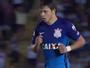 Romero, do Corinthians, manda mal em chute e leva garrancho da rodada