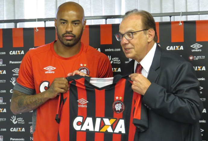 Thiago Heleno Luiz Sallim Emed Atlético-PR (Foto: Fernando Freire)