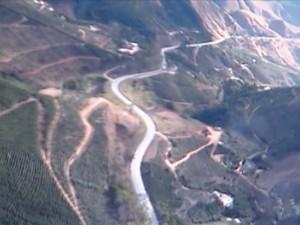 Família de advogado alugou helicóptero para sobrevoar BR-262, mas nada foi encontrado (Foto: Reprodução/TV Gazeta Norte)