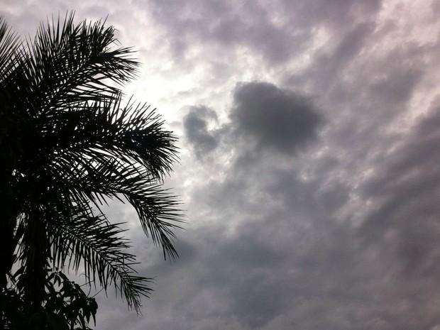 Tempo nublado, mas sem chuva em Campo Grande nesta quarta (Foto: Luan Saraiva/ G1 MS)