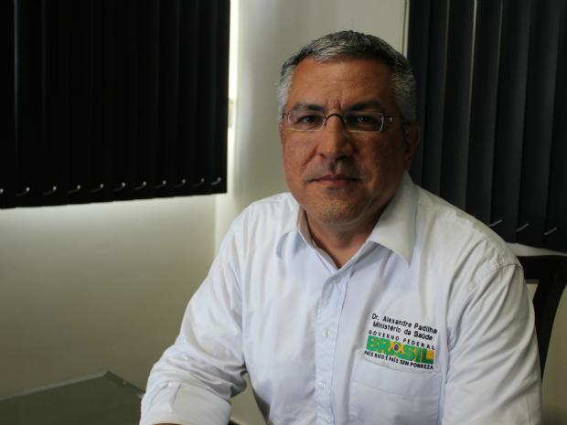 Ministro da saúde, Alexandre Padilha, disse que 16 unidades serão entregues no AM até 2014 (Foto: Mônica Dias/G1)