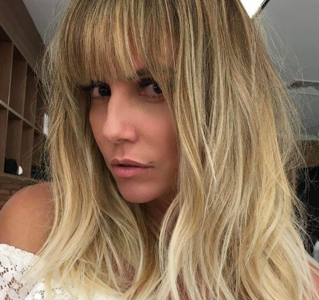 Deborah Secco surge com novo corte de cabelo - e franja! (Foto: Reprodução/Instagram)