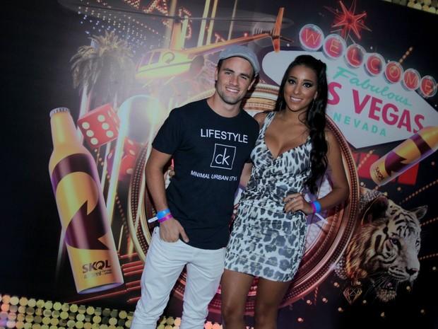 Ex-BBBs Rafael e Talita em festa no Rio (Foto: Marcello Sá Barretto/ Ag. News)
