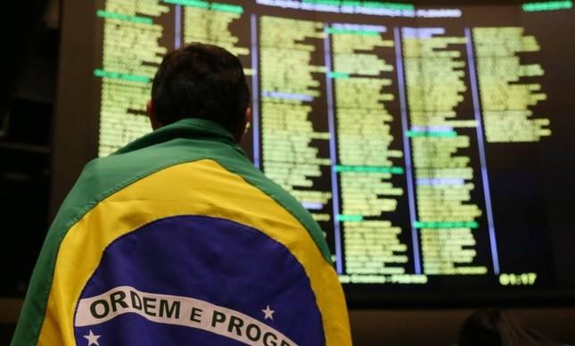 O Brasil está de olho na votação do impeachment contra Dilma marcado para as 14h deste domingo  (Foto: Ailton de Freitas)