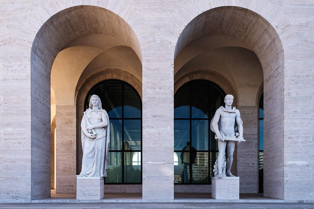 Fendi muda sua sede para o hist rico palazzo della civilt for Palazzo della civilta italiana fendi