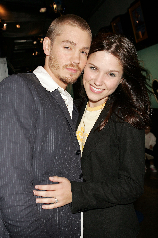 As estrelas de 'One Three Hill' se envolveram em 2004 e se casaram no ano seguinte. Apesar do anúncio da separação em 2005 – cinco meses após o casamento – o casal continuou atuando junto na série. (Foto: Getty Images)