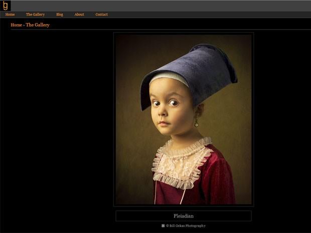 A garotinha Athena, 5, em imagem feita por seu pai, o fotógrafo australiano Bill Gekas, na qual ele se inspira em pintura do século XVII (Foto: Reprodução/Bill Gekas.com)