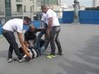 Vigias fazem curso para impedir invasão de torcedores na Copa