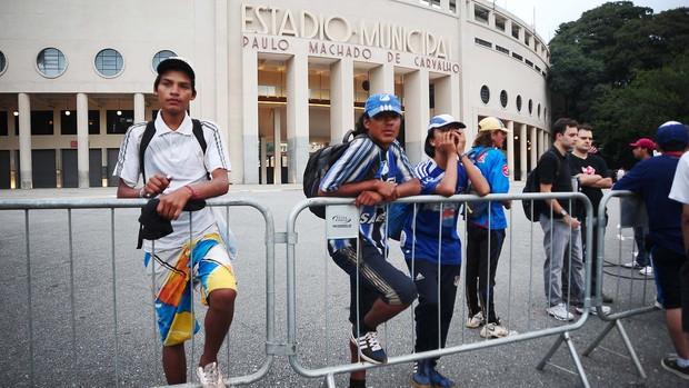 torcedores Millonarios corithians pacaembu (Foto: Marcos Ribolli)