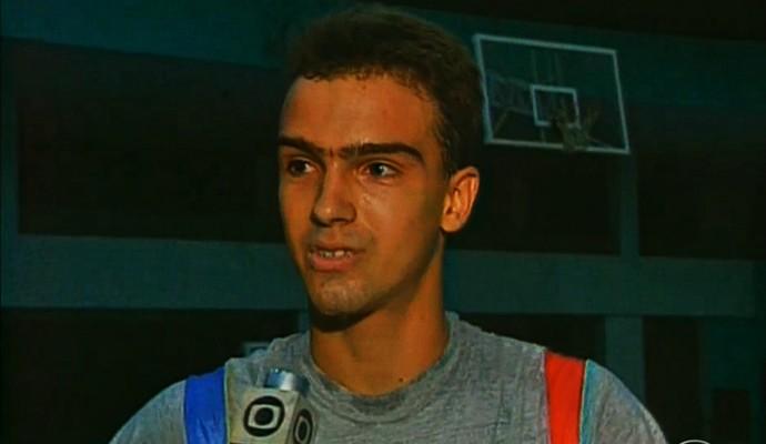 Tadeu Schimdr quando jogava na seleção brasileira juvenil de vôlei (Foto: Reprodução TV Globo)