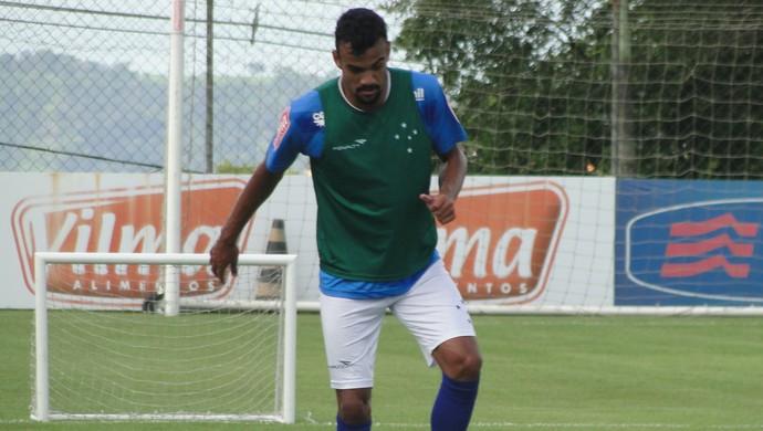 Fabrício zagueiro Cruzeiro (Foto: Tayrane Corrêa)
