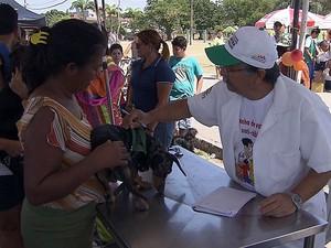 Vacinação de cães e gatos no Recife (Foto: Reprodução/Globo Nordeste)