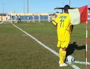 Cene estava desfalcado de cinco jogadores (Foto: Leandro Abreu/GLOBOESPORTE.COM)