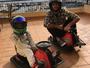 Felipinho disputa corrida em carrinho  de brinquedo com Ricciardo. Confira!