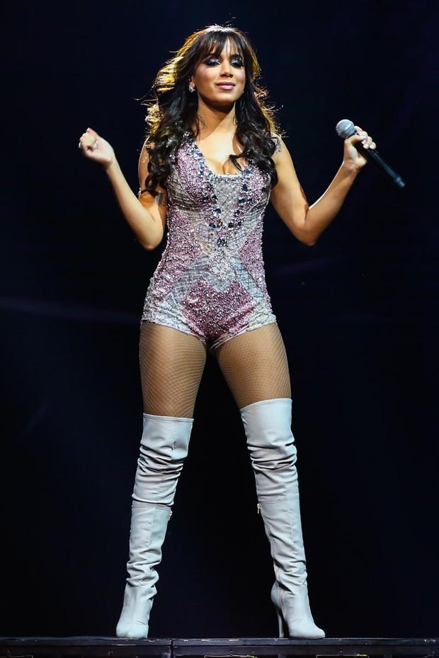 Anitta no palco de uma casa de shows em São Paulo (Foto: Manuela Scarpa/Photorionews)