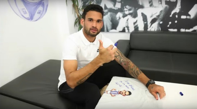 BLOG: Real Sociedad promove ação com camisa personalizada do atacante Willian José