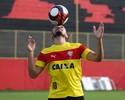 """Bloco de Notas: Dátolo lembra """"trote"""" de Maradona e sonha alto no Vitória"""