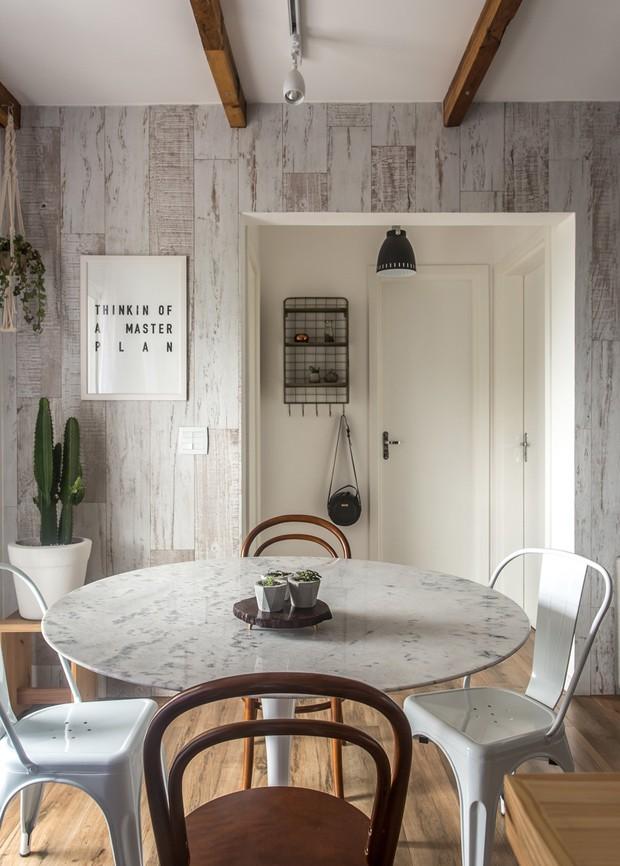 apartamento-escandinavo-Studio-Boscardin-Corsi-sala-de-jantar-mesa (Foto: Eduardo Macarios)