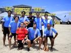 Du Moscovis e outros famosos jogam futebol de areia no Rio