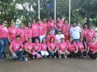 Caminhada alerta mulheres contra o câncer de mama em Pratânia