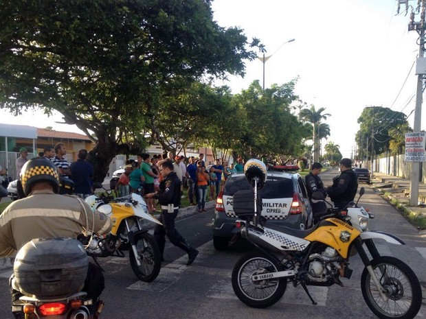 Ciclista foi atropelado na Avenida Everaldo Breves, no centro de Parnamirim (Foto: Thiago Cirilo/ Inter TV Cabugi)