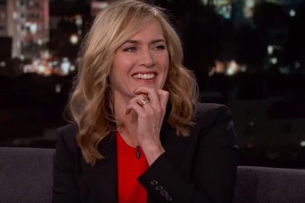Kate Winslet em entrevista ao programa Jimmy Kimmel Live! (Foto: Reprodução/Vídeo)