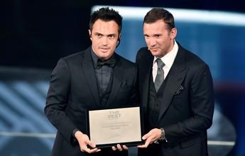 Falcão recebe Prêmio pela Carreira e é homenageado pela Fifa na Suíça