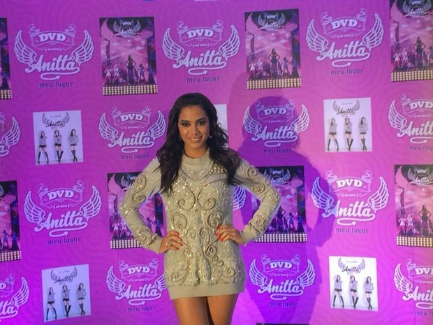 A cantora Anitta divulga seu DVD nesta quarta-feira (4), em São Paulo (Foto: Rodrigo Ortega/G1)