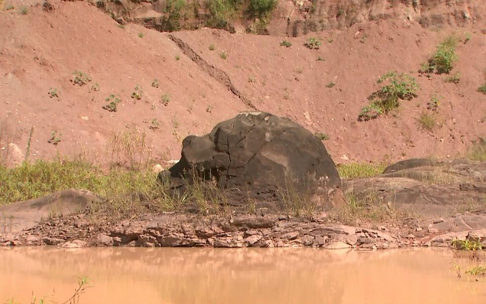 Mineradora em Santa Rosa de Viterbo tem estromatólitos com até três metros de altura (Foto: Maurício Glauco/EPTV)