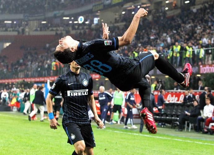 comemoração Hernanes, Inter Milan x Napoli  (Foto: Reuters)