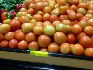 Tomate apresentou alta de 1,43%, segundo levantamento da Seplan (Foto: Fabiana Figueiredo/G1)
