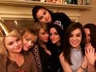 Camila Cabello comemora aniversário com Selena Gomez e Taylor Swift
