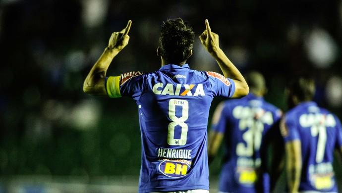 Henrique; Cruzeiro (Foto: Eduardo Valente/Light Press)