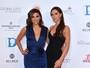 Decotadas, Eva Longoria e Victoria Beckham posam juntas em evento