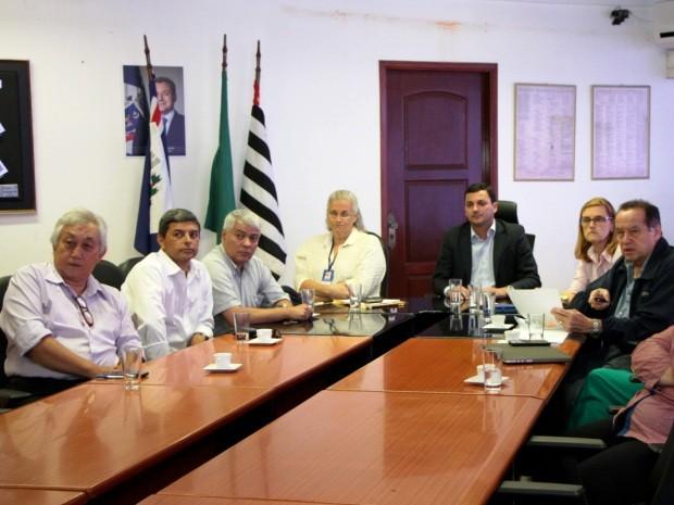 Técnicos da Sabesp apresentaram estudo em Itanhaém (Foto: G1)