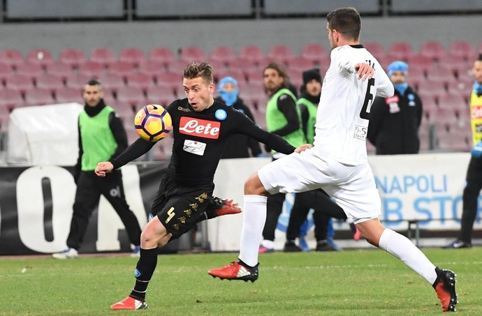 Giaccherini Napoli Spezia Copa Itália (Foto: Ciro Fusco/AP)