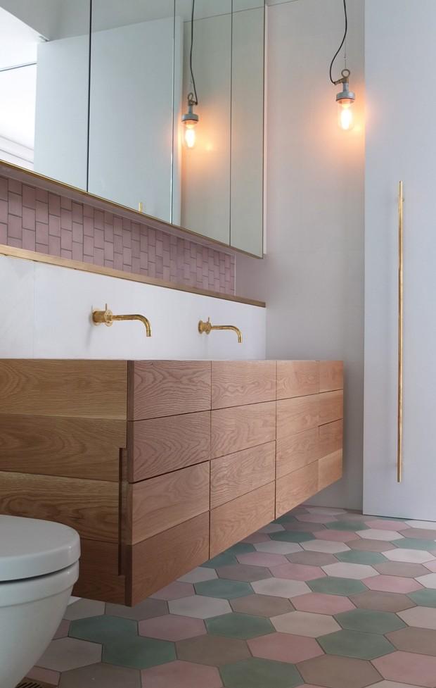Décor do dia: lavabo clean, geométrico e com candy colors