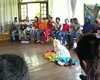 A Associação Arcanjo Gabriel atende  jovens e adultos com deficiência intelectual (Foto: Reprodução RJTV 2ª Edição)