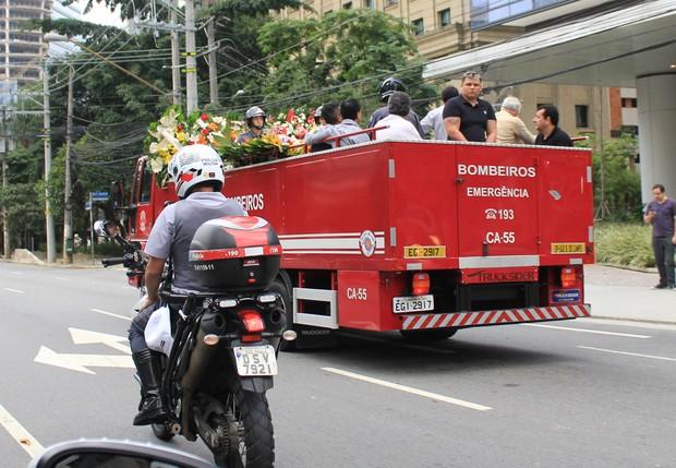 Cortejo de Jair Rodrigues (Foto: Celso Tavares/ EGO)