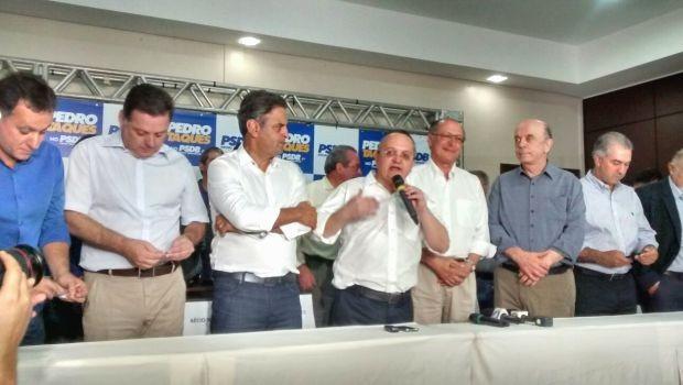 Pedro Taques em ato de filiação neste sábado (29), em Cuiabá (Foto: Carolina Holland/ G1)