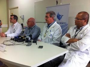 Médicos concederam entrevista coletiva nesta quinta-feira (Foto: Caetanno Freitas/G1)